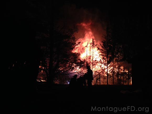 Barn Quickly Ignites into Flanes‏